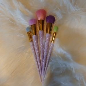 Atelier Sona Makeup - 🌺UNICORN MAKE UP 5 PIECE BRUSH SET🌺